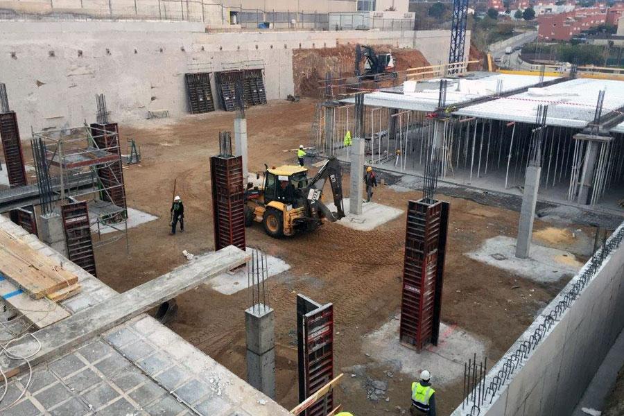 Nou Mercat Municipal De Montgat: Enderrocs I Moviment De Terres