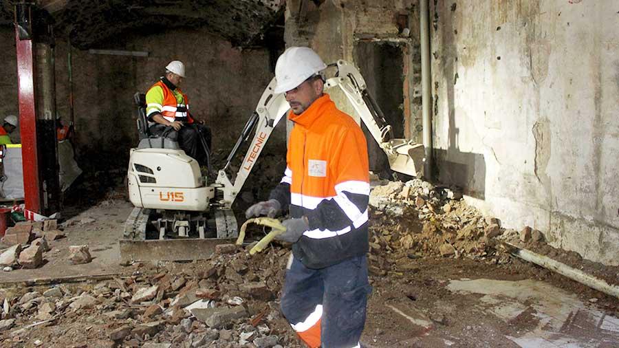 Demolición Mecánica En Barcelona.