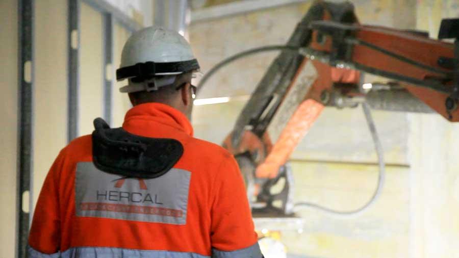 Enderrocs per a la construcció de trasters a Barcelona