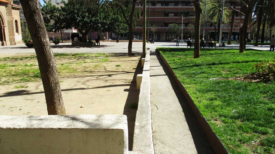 Reurbanització De La Plaça Dels Jardins D'Elx, Al Barri De Sant Andreu