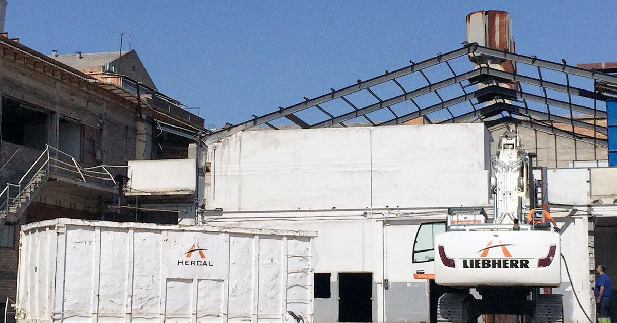Demolició Industrial D'edificacions A Esplugues