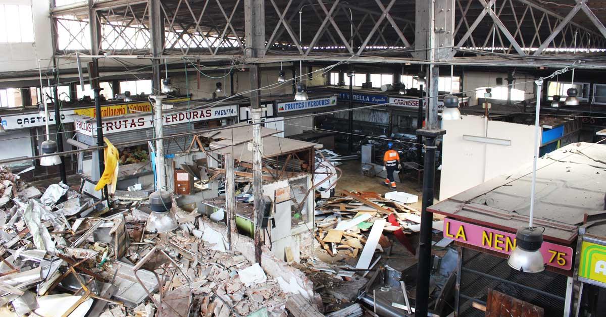 Enderroc Del Mercat De Sant Andreu Per A Construir Un De Nou
