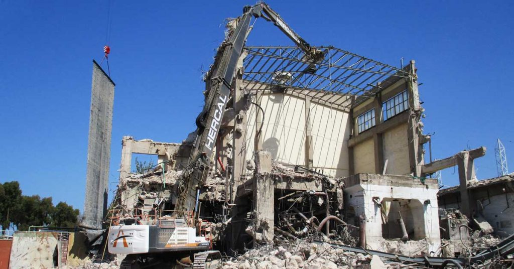 cortina de demolición 1
