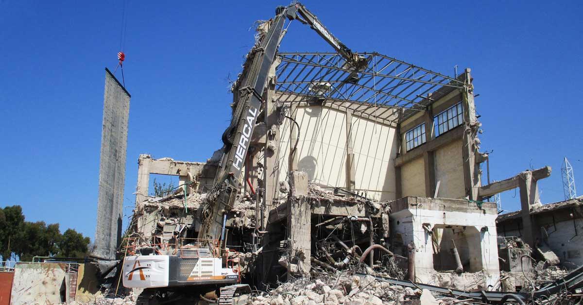 Deconstrucció De La Central Tèrmica Cristóbal Colón, A Huelva